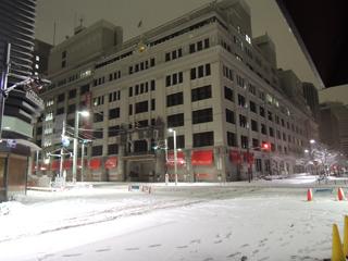 2014年2月14日夜、雪の三越本店