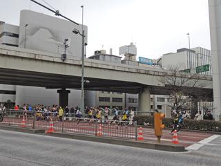 東京マラソン2014 茅場橋